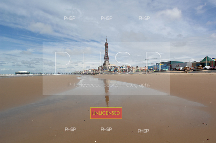 Blackpool Tower reflection  27.06.07