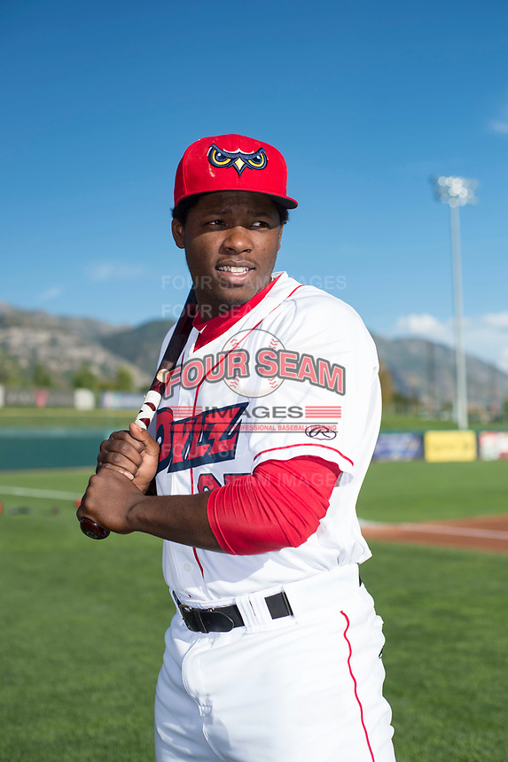 Orem Owlz outfielder Johan Sala (25) poses for a photo prior to a Pioneer League game against the Ogden Raptors at the Home of the OWLZ on August 24, 2018 in Orem, Utah. The Ogden Raptors defeated the Orem Owlz by a score of 13-5. (Zachary Lucy/Four Seam Images)