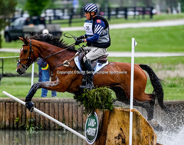 April 24, 2021: Boyd Martin competes in the Cross Country phase of the Land Rover 5* 3-Day Event aboard On Cue at the Kentucky Horse Park in Lexington, Kentucky. Scott Serio/Eclipse Sportswire/CSM