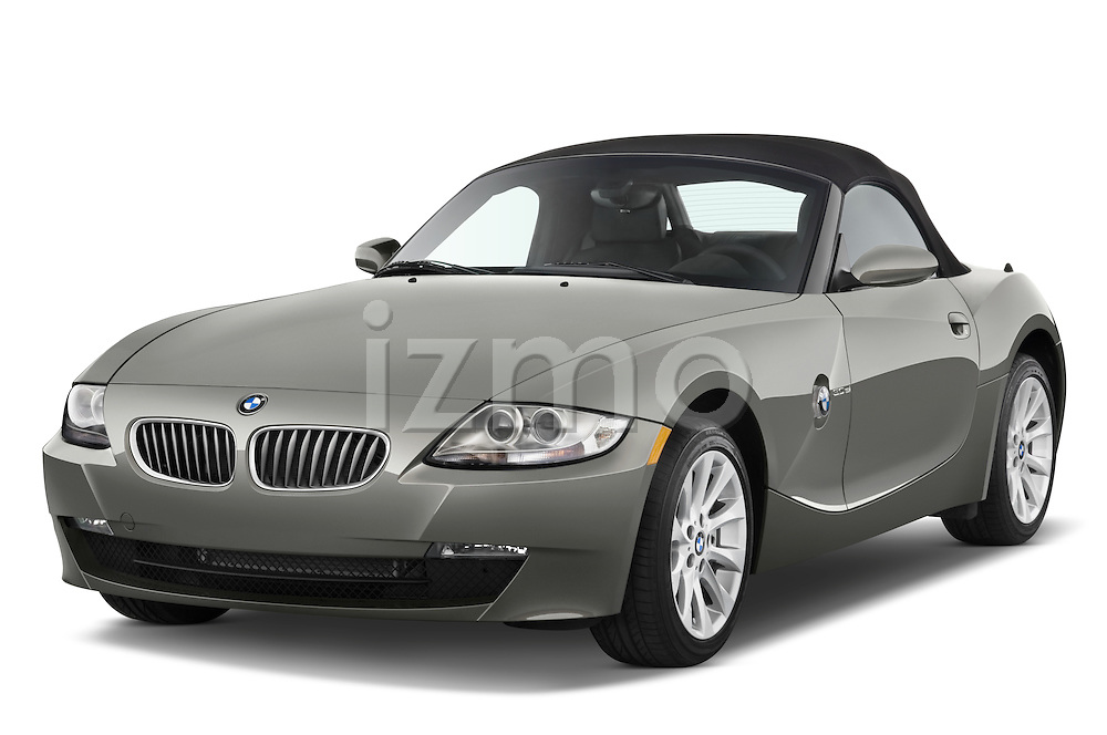 Front three quarter view of a 2008 BMW Z4 Roadster.
