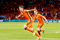 AMSTERDAM, 13-06-2021 Johan Cruyff Arena, Group stage of EURO2020 between Netherlands and Ukraine. Wout Weghorst scores 2-0 and celebrates with Frenkie de Jong<br /> Photo Pro Shots / Insidefoto <br /> ITALY ONLY
