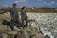 Durante il controllo del fiume Volturno, è stata scoperta una discarica di polistirolo..During the monitoring of the river Volturno, was discovered in a landfill polystyrene....