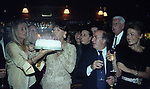 MARA VENIER, ELSA MARTINELLI, DANTE FERRETTI E CARLA DE MARTINO<br /> COMPLEANNO ELSA MARTINELLI AL JEFF BLYNN'S   ROMA 2000