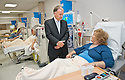 02/08/2010   Copyright  Pic : James Stewart.024_hospital_day_one  .::  NHS FORTH VALLEY ROYAL HOSPITAL, LARBERT :: ONE OF THE FIRST PATIENTS AT THE RENAL UNIT, MARY MCDIARMID  MEETS TRUST CHAIRMAN IAN MULLEN  :: DAY ONE OF THE NEW HOSPITAL AS PATIENTS START TO ARRIVE   ::
