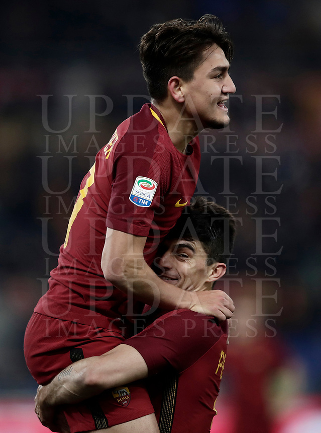 Calcio, Serie A: AS Roma - Benevento, Roma, stadio Olimpico, 11 gennaio 2018.<br /> Roma's Cengiz Under (l) celebrates with his teammate Diego Perotti (r) after scoring during the Italian Serie A football match between AS Roma and Benevento at Rome's Olympic stadium, February 11, 2018.<br /> UPDATE IMAGES PRESS/Isabella Bonotto