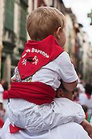 Europe/France/Aquitaine/64/Pyrénées-Atlantiques/Pays-Basque/Bayonne: Lors des Fêtes de Bayonne - Enfant aux couleurs basques