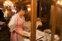Europe/France/Rhone-Alpes/73/Savoie/Courchevel:  Service au Restaurant: Pierre Gagnaire pour les Airelles à l'Hotel Les Airelles