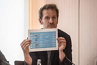 Ein breites Buendnis aus Umwelt- und Verkehrssicherheitsverbaenden fordert ein Tempolimit auf Autobahnen.<br /> Auf einer Pressekonferenz am Freitag den 21. Juni 2019 in Berlin erklaerten die Vertreter der Deutschen Umwelthilfe (DUH), des Verkehrsclub Deutschland (VCD), der Verkehrsunfall-Opferhilfe (VOD), Changing Cities und Greenpeace, dass in Deutschland als einzigem Staat in Europa auf 80 Prozent der Autobahnen ohne jede Tempolimit gefahren werden kann. Gaebe es ein Tempolimit von 80 km/h ausserorts und 120 km/h auf Autobahnen wie beispielsweise die Schweiz, koennten sofort bis zu fuenf Millionen Tonnen des Klimagases CO2 vermieden werden. Zudem wuerde es ueber 100 Todesopfer und mehr als 5.000 Verletzte verhindern. Innerstaedtisch wuerde zudem eine Regelgeschwindigkeit von 30 km/h mehr Sicherheit und weniger Verkehrslaerm bedeuten.<br /> Im Bild: Benjamin Stephan, Greenpeace Verkehrsexperte.<br /> 21.6.2019, Berlin<br /> Copyright: Christian-Ditsch.de<br /> [Inhaltsveraendernde Manipulation des Fotos nur nach ausdruecklicher Genehmigung des Fotografen. Vereinbarungen ueber Abtretung von Persoenlichkeitsrechten/Model Release der abgebildeten Person/Personen liegen nicht vor. NO MODEL RELEASE! Nur fuer Redaktionelle Zwecke. Don't publish without copyright Christian-Ditsch.de, Veroeffentlichung nur mit Fotografennennung, sowie gegen Honorar, MwSt. und Beleg. Konto: I N G - D i B a, IBAN DE58500105175400192269, BIC INGDDEFFXXX, Kontakt: post@christian-ditsch.de<br /> Bei der Bearbeitung der Dateiinformationen darf die Urheberkennzeichnung in den EXIF- und  IPTC-Daten nicht entfernt werden, diese sind in digitalen Medien nach §95c UrhG rechtlich geschuetzt. Der Urhebervermerk wird gemaess §13 UrhG verlangt.]