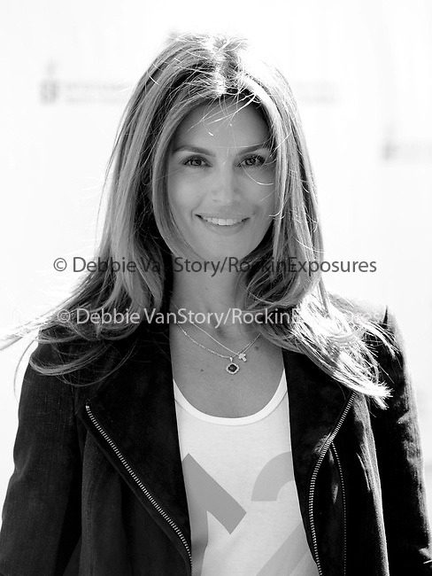 Cindy Crawford Gerber at Stand Up to Cancer held at Sony Picture Studios in Culver City, California on September 10,2010                                                                               © 2010 Hollywood Press Agency
