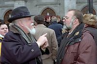 Jean-Claude Germain et <br /> Le president de l'UDA Serge Turgeon <br />  aux Funerailles de Gratien Gelinas, <br /> 19 mars 1999, a la Basilique Notre-Dame.<br /> <br /> PHOTO : Agence Quebec Presse - Pierre Roussel