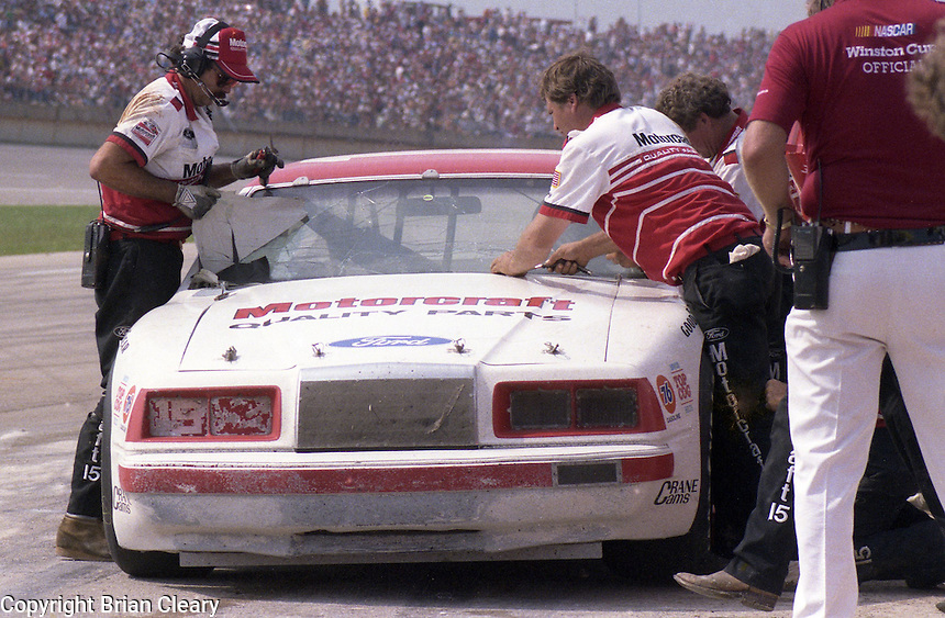 Ricky Rudd pits pits stop broken windshield 5th place finish Winston 500 at Alabama International Motor Speedway in Talladega , AL on May 5, 1985. (Photo by Brian Cleary/www.bcpix.com)