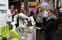Nederland - Amsterdam - Januari 2019.  HORECAVA.  Bidfood en Mindcurv presenten Food Robotics. Deze robot maakt o.a. ijsjes.   Foto Berlinda van Dam / Hollandse Hoogte