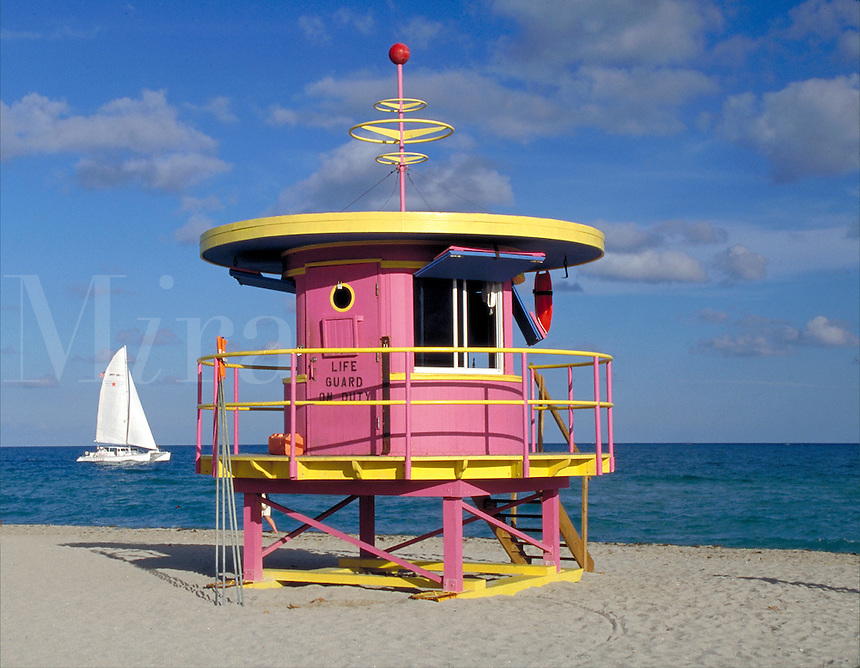 Sailing and all the good life on Miami Beach - Arch - William Lane, 1993. Miami Beach, 10th + Ocean Dr. FL USA.