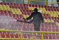 BOGOTA - COLOMBIA, 17-07-2021: Desinfección COVID_19 durante el partido entre Independiente Santa Fe y Deportivo Cali por la fecha 1 de la Liga BetPlay DIMAYOR II 2021 jugado en el estadio Nemesio Camacho El Campín de la ciudad de Bogotá. / COVID-19 disinfection during match for the date 1 between Independiente Santa Fe and Deportivo Cali as part of the BetPlay DIMAYOR League II 2021 played at Nemesio Camacho El Campín stadium in Bogota city. Photo: VizzorImage / Gabriel Aponte / Staff