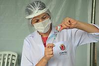 Curitiba (PR), 10/02/2021 - Vacinação-Curitiba - Começou nesta quarta-feira (10) , a vacinação contra o Covid-19 para os idosos acima de 90 anos, no Santuário do estacionamento do Boqueirao em Curitiba.