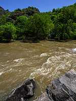 Tal des Mktwari-Kura bei Aspindsa, Samzche-Dschawachetien, Georgien, Europa<br /> River Mktwari-Kura near Aspindsa, Samzche-Dschawacheti,  Georgia, Europe