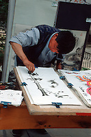 China, Peking, traditioneller Maler im Konfuziustempel
