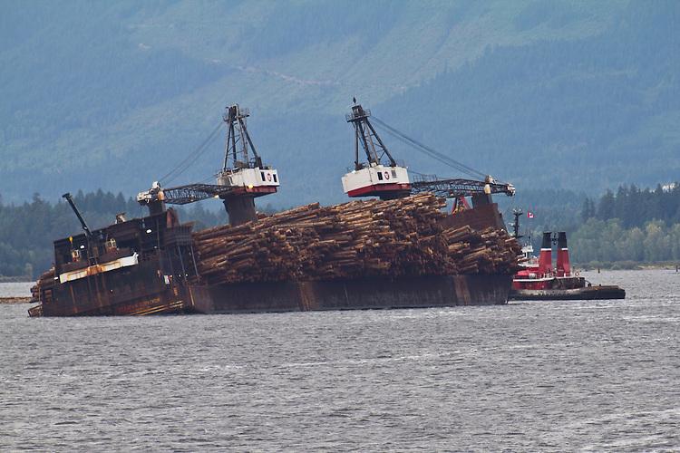 Vancouver Island, Port Alberni, Alberni Inlet, self dumping log barge, tug, Seaspan Commodore, British Columbia, Canada,