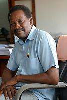 TANZANIA, Zanzibar, Stone town, Haji Abdul Hammid von SMIDA, eien Agentur des Handels – und Industrieministeriums zur Förderung kleiner und mittelständischer Unternehmen