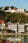 Deutschland, Niederbayern, Passau: 3-Fluesse-Stadt mit Veste Oberhaus und Fluss Inn | Germany, Lower Bavaria, Passau with fort Oberhaus and river Inn