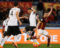 Calcio, Serie A:  Roma vs Palermo. Roma, stadio Olimpico, 21 febbraio 2016. <br /> Roma's Miralem Pjanic, right, is challenged by Palermo's Giuseppe Pezzella during the Italian Serie A football match between Roma and Palermo at Rome's Olympic stadium, 21 February 2016.<br /> UPDATE IMAGES PRESS/Riccardo De Luca
