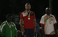 VillËs Jeux de la Francophonie Abidjan 2017 / CompÈtitions Sportives Lutte Africaine finale des Hommes, mÈdaille d'OR pour la Roumanie ( C ) du Roumanie au parc des Sport de Treichville, Minji HervÈ CÙte d'Ivoire en ceinture rouge et Mamadou du Niger en ceinture bleu / Abidjan 29 juillet 2017 # 8EME JEUX DE LA FRANCOPHONIE D'ABIDJAN 2017