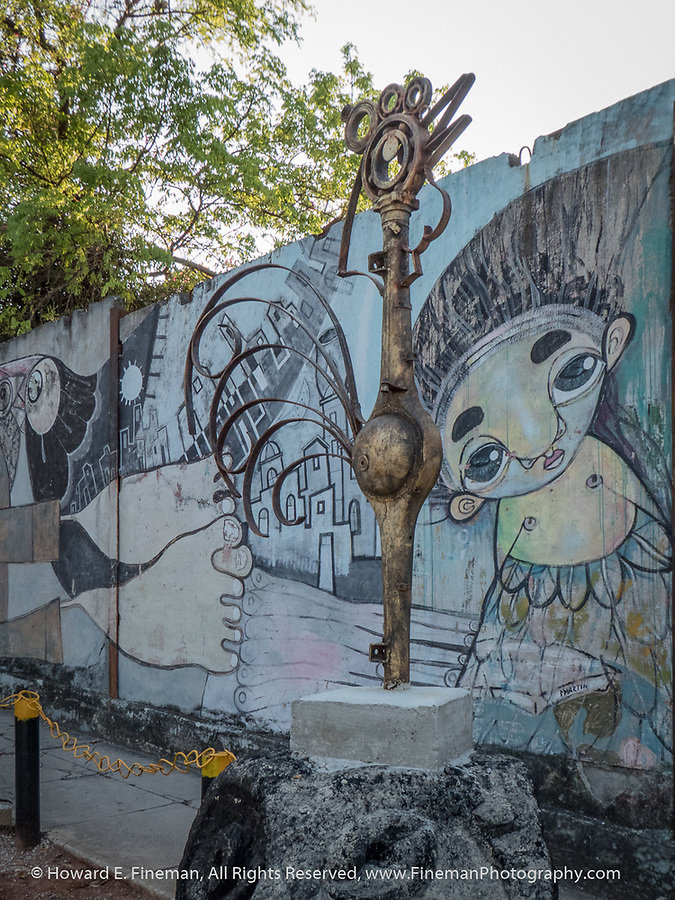 Creative sculpture in Muraleando from scrapped automotive parts