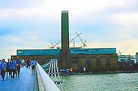 London: Tate Modern & Millennium Bridge from North Bank.  Photo 2005.