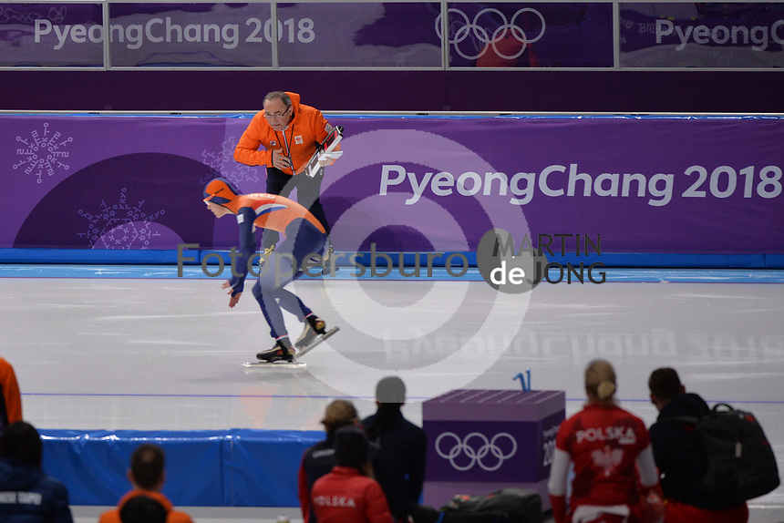 OLYMPIC GAMES: PYEONGCHANG: 14-02-2018, Gangneung Oval, Long Track, 1000m Ladies, Marrit Leenstra (NED), Maurizio Marchetto (coach), ©photo Martin de Jong