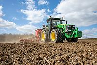 Drilling spring barley with 8m Vaderstad drill - Suffolk, April