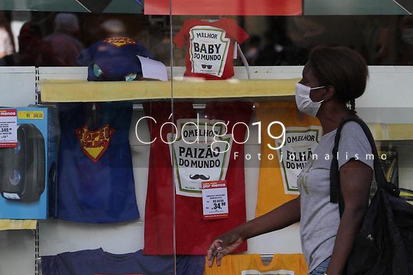 Campinas (SP), 05/08/2020 - Comércio-SP - Movimentação na região central de Campinas, interior de São Paulo, nesta quarta-feira (05), onde os comerciantes miram as vendas para o Dia dos Pais. Segundo a Associação Comercial e Industrial (Acic) prevê queda de 60,9% das vendas na Região Metropolitana de Campinas e o valor médio do presente deve diminuir de R$ 115,92 para R$ 119,40.