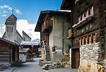 Switzerland, Canton Valais, Blatten (Loetschen) im Loetschental: village centre | Schweiz, Kanton Wallis, Blatten (Loetschen) im Loetschental: Dorf im oberen Teil des Tales, Ortszentrum