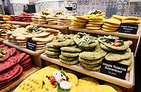 Nederland - Amsterdam - Januari 2019.  HORECAVA. Er zijn dit jaar veel gezonde, vegetarische en vegan producten te zien en te proeven. Boboli focaccia gemaakt met groenten zoals bloemkool en pompoen.   Foto Berlinda van Dam / Hollandse Hoogte