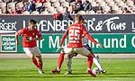 Sickinger (rot) versucht Anton Donkor (vedeckt) den Ball abzunehmen beim Spiel in der 3. Liga, 1. FC Kaiserslautern - SV Waldhof Mannheim.<br /> <br /> Foto © PIX-Sportfotos *** Foto ist honorarpflichtig! *** Auf Anfrage in hoeherer Qualitaet/Aufloesung. Belegexemplar erbeten. Veroeffentlichung ausschliesslich fuer journalistisch-publizistische Zwecke. For editorial use only. DFL regulations prohibit any use of photographs as image sequences and/or quasi-video.