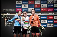 Junior Women road race podium:<br /> 1/ Megan Jastrab (USA)<br /> 2/ Julie de Wilde (BEL)<br /> 3/ Lieke Nooijen (NED)<br /> <br /> road race from Doncaster to Harrogate (86km)<br /> 2019 Road World Championships Yorkshire (GBR)<br /> <br /> ©kramon