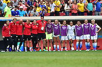 Brasilia, Brazil - Friday, August 12, 2016: The USWNT and Sweden are all even 1-1 in extra time during Quarterfinal play during the 2016 Olympics at Mane Garrincha Stadium.