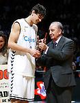 Cajasol Sevilla's Tomas Satoransky (l) winner in the dunk contest during ACB Supercup Final match with the ACB's Prtesident Eduardo Portela.September 25,2010. (ALTERPHOTOS/Acero)