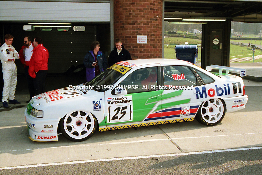 1997 British Touring Car Championship media day. #25 Jamie Wall (GBR). Mint Motorsport. Vauxhall Cavalier.