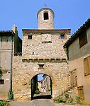 France, Midi-Pyrenees, Departement Tarn, Cordes-sur-Ciel: The Clock Gate | Frankreich, Midi-Pyrénées, Département Tarn, Cordes-sur-Ciel: Stadttor mit Uhrturm
