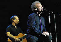 Roma, 31-07-2004<br /> Concerto: Simon & Garfunkel al Colosseo<br /> <br /> Photo: Antonietta Baldassarre/Insidefoto