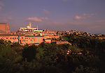 Europe, ITA, Italy, Tuscany, Siena, Cathedral Santa Maria Assunta, Typical view on to the city, Evening light....[ For each utilisation of my images my General Terms and Conditions are mandatory. Usage only against use message and proof. Download of my General Terms and Conditions under http://www.image-box.com or ask for sending. A clearance before usage is necessary...Material is subject to royalties. Each utilisation of my images is subject to a fee in accordance to the present valid MFM-List...Contact | archive@image-box.com | www.image-box.com ]