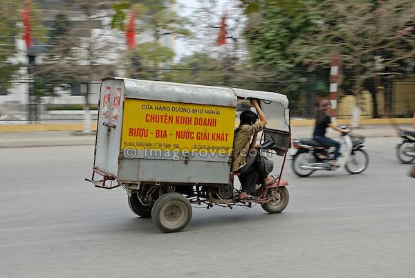 Asia, Vietnam, Ninh Binh. Tricycle truck.