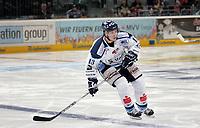 Eric Meloche (Straubing)<br /> Adler Mannheim vs. Straubing Tigers, SAP Arena<br /> *** Local Caption *** Foto ist honorarpflichtig! zzgl. gesetzl. MwSt. <br /> Auf Anfrage in hoeherer Qualitaet/Aufloesung. Belegexemplar an: Marc Schueler, Am Ziegelfalltor 4, 64625 Bensheim, Tel. +49 (0) 6251 86 96 134, www.gameday-mediaservices.de. Email: marc.schueler@gameday-mediaservices.de, Bankverbindung: Volksbank Bergstrasse, Kto.: 151297, BLZ: 50960101