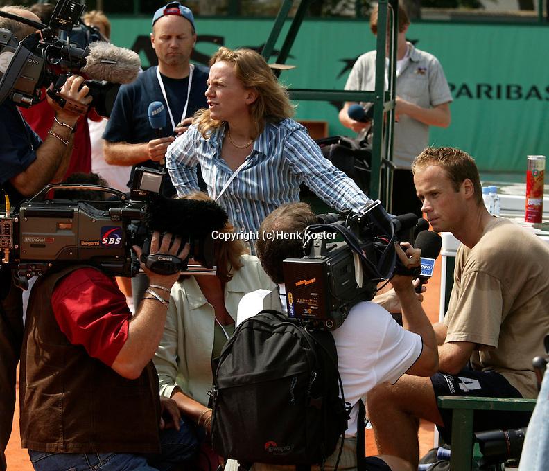 20030605, Paris, Tennis, Roland Garros, Martin Verkerk enorm in de belangstelling van de media