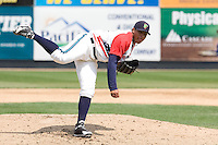 July 6, 2008: Everett AquaSox righthander Doug Salinas toes the rubber in relief against the Yakima Bears during a Northwest League game at Everett Memorial Stadium in Everett, Washington.