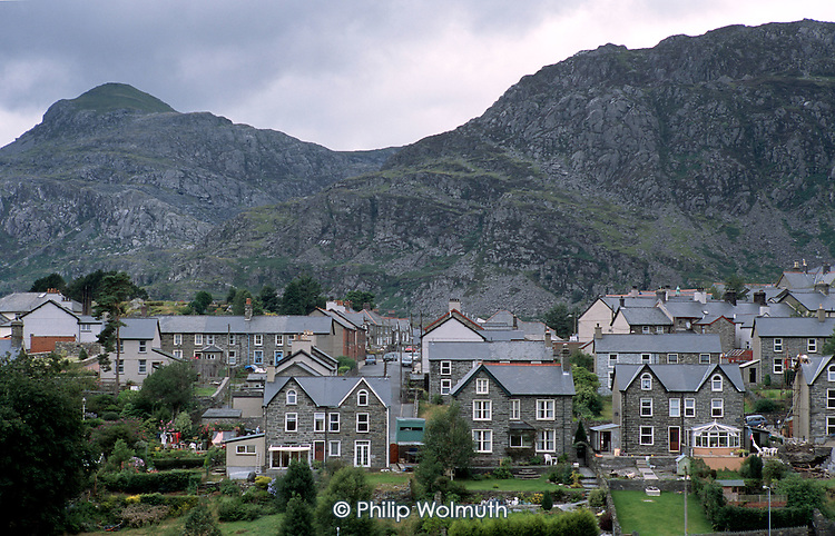 Old slate quarries tower above the mining town of Blaennau Ffestiniog, on the edge of the Snowdonia National Park, North Wales. The town's economy has undergone steep decline since the peak of the slate mining industry in the late ninteenth century.