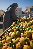 Afrique/Afrique du Nord/Maroc/Rabat: étal d'oranges sur un marché populaire de quartier