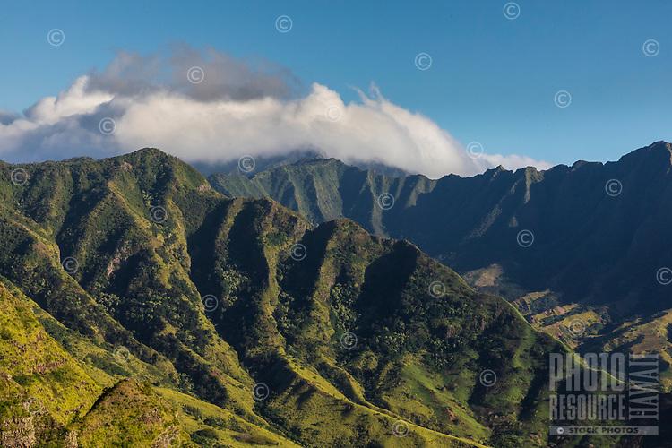 Wai'anae Range scenic view, seen from a hiking trail, West O'ahu.