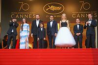 Barry Keoghan, Raffey Cassidy, Yorgos Lanthimos, Sunny Suljic, Colin Farrell, Nicole Kidman, Ed Guiney et Andrew Lowe sur le tapis rouge pour la projection du film MISE A MORT DU CERF SACRE lors du soixante-dixième (70ème) Festival du Film à Cannes, Palais des Festivals et des Congres, Cannes, Sud de la France, lundi 22 mai 2017. Philippe FARJON / VISUAL Press Agency
