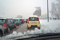 - traffic in Milan in the Snow....- traffico a Milano sotto la neve